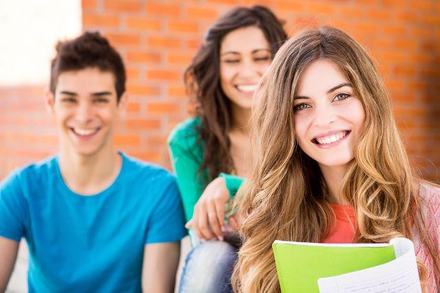 考研英语黄皮书:全国考研英语平均分超过50分,到底多少分才能过线?